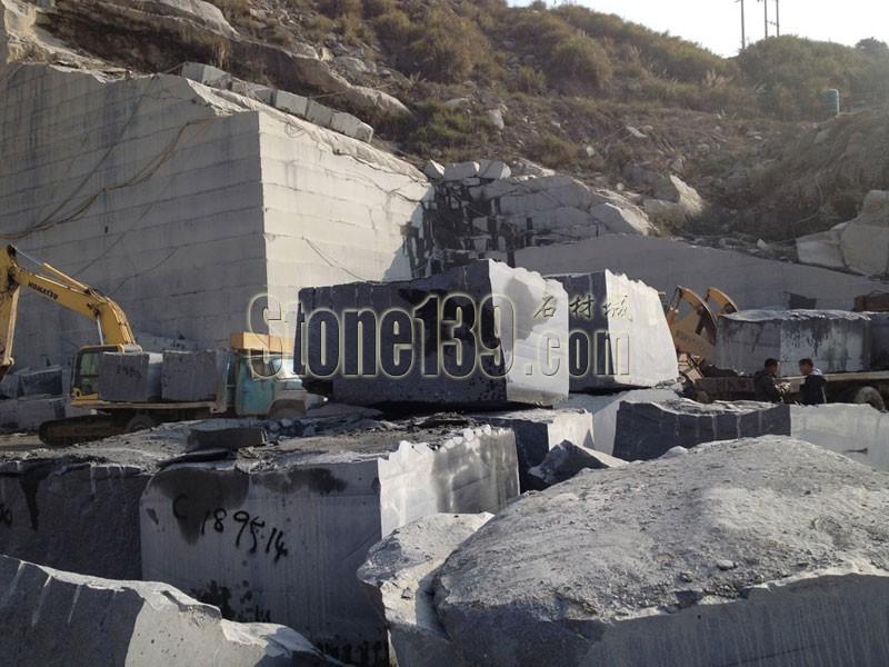 恒益灰麻石材原产地矿山图