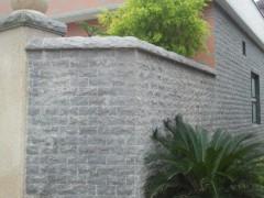 自然面芝麻黑围墙装饰 654石材外墙应用-- 长泰县鸿祥石业