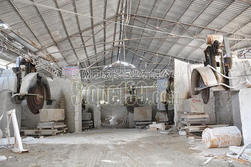 和兴石材厂厂房设备