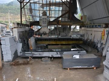 林墩石材厂红外线墓碑石加工