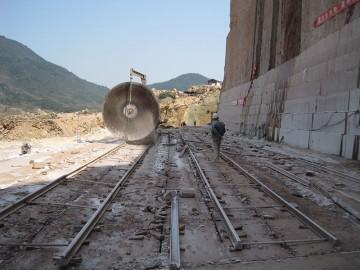 江西红色花岗岩矿山供应