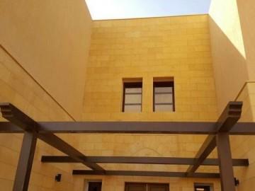 意大利黄金沙石材外墙装饰