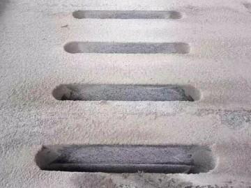 花岗岩水槽石 水沟盖石材 排水孔地铺石