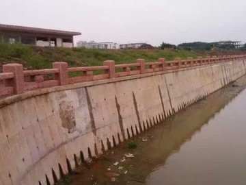 自然面河栏杆应用案例