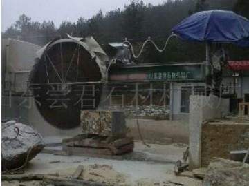 桥式锯石机 桥式自动升降锯石机 青石实用型墓碑改石机