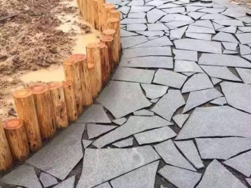 芝麻黑碎板拼贴-- 勇达石材