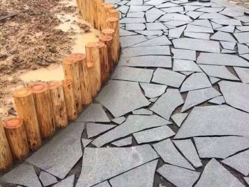 芝麻黑花岗岩碎板 地铺装饰-- 达鸿石材