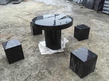 黑色花岗岩桌凳 一桌四凳
