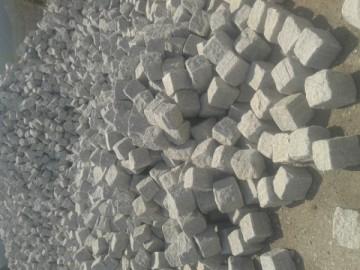 白色方块石