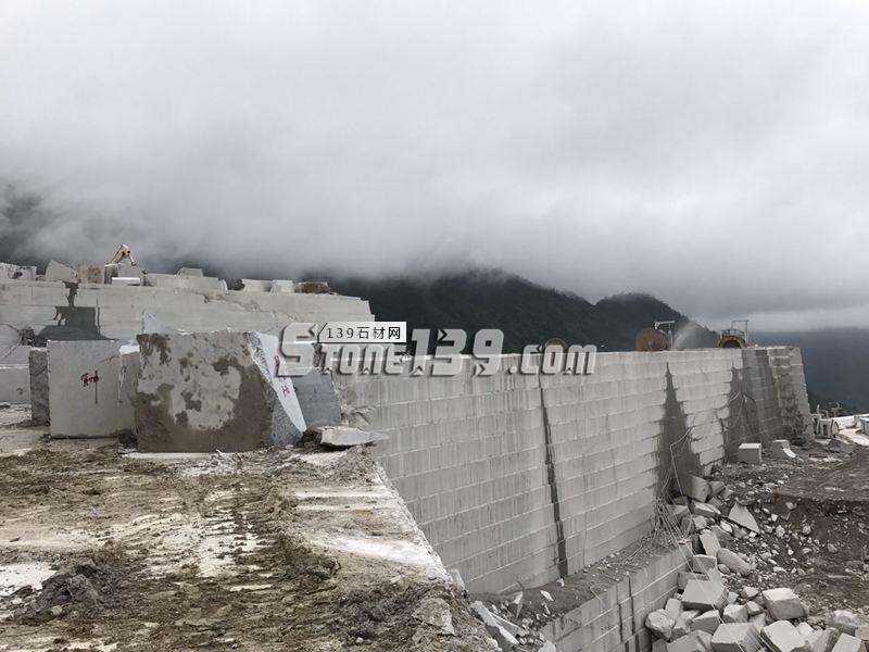 广东浪花白 矿山荒料资源