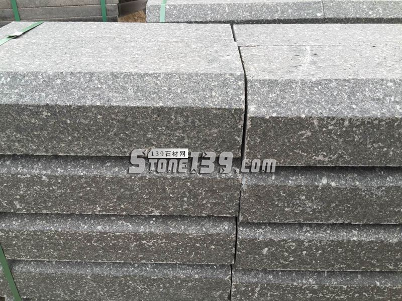 博白黑火烧面路沿石成品-- 广西博白县石海洋石材二厂