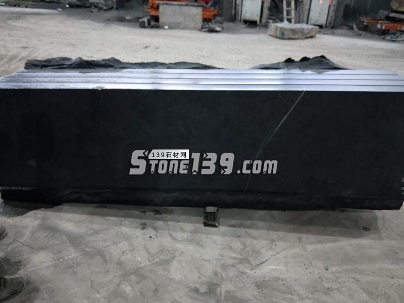 销售黑色石材方料及加工各种板材