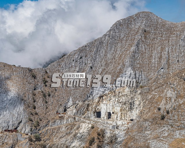 意大利卡拉拉大理石矿山图片
