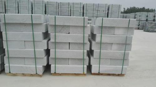 G602芝麻白路沿石-- 麻城海涛石材厂