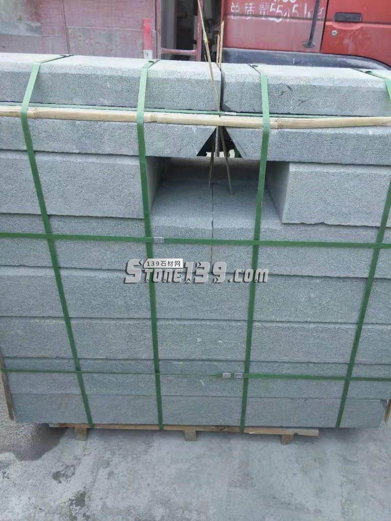 青石铺路石材 马路边路沿石材供应CX-030-- 四川川鑫石业