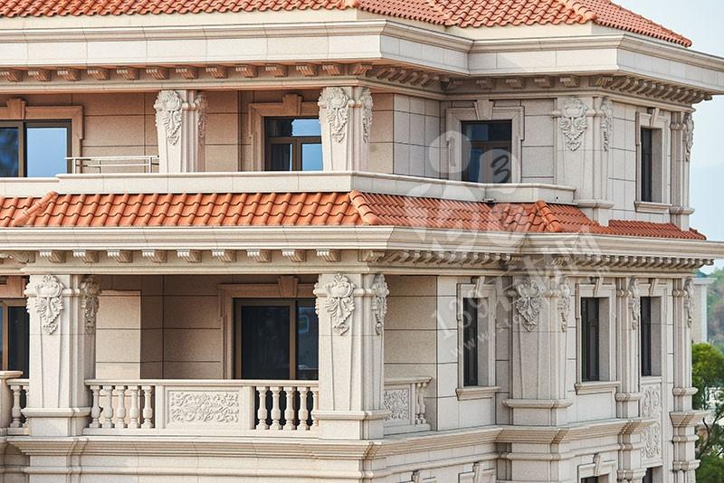 全石材铺装的别墅外墙立面简洁,充满品质与美感,配以精美的线条和雕花,提升了整栋别墅的历史感和厚重感,给人一种庄重大气的感觉。接下来139石材网小编就和大家一起欣赏一组独栋别墅石材外墙的案例图。    <
