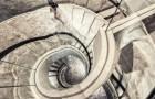 石材+金属旋转楼梯装饰工艺的安装技巧