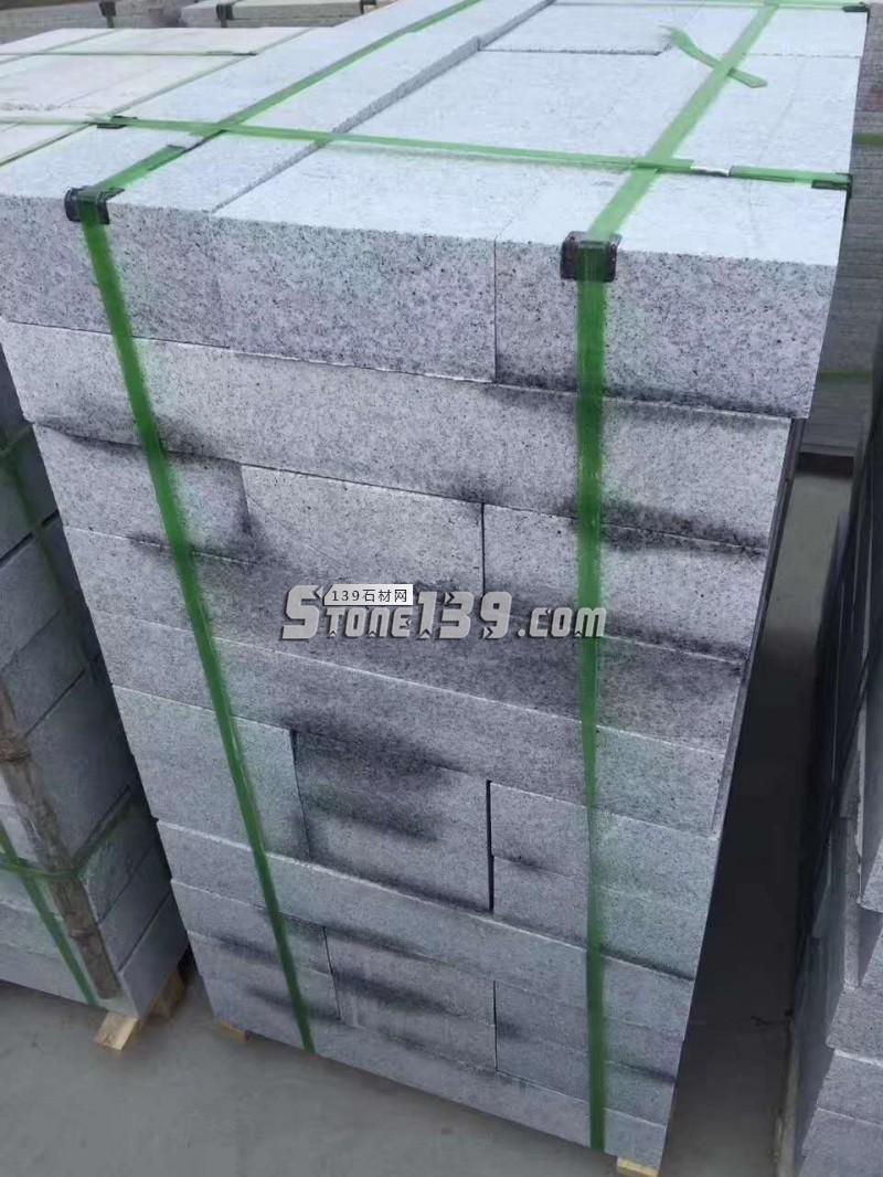 河南白麻路沿石大量供应 猖狂一体 货稳足-- 泌阳县春水丰达石材厂