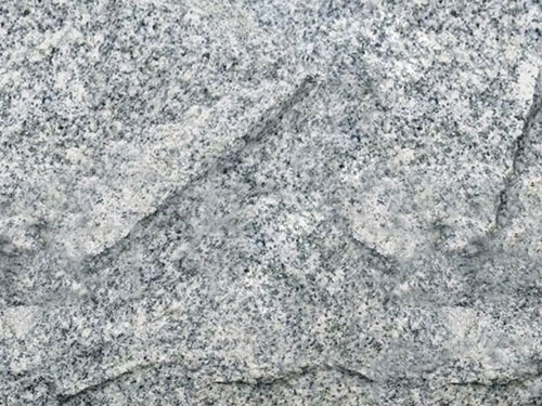 芝麻灰自然面剁斧效果-- 罗田地皇石材有限公司
