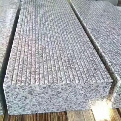 吉林白麻花岗岩机刨石