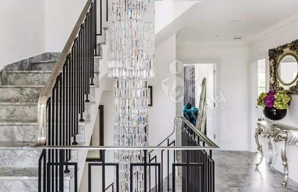 天然石英石鱼肚灰楼梯板地面洗手台装饰案例