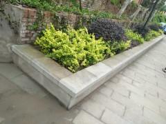 青石地铺案例 公园小区 地铺 路沿 花坛树围石配套应用