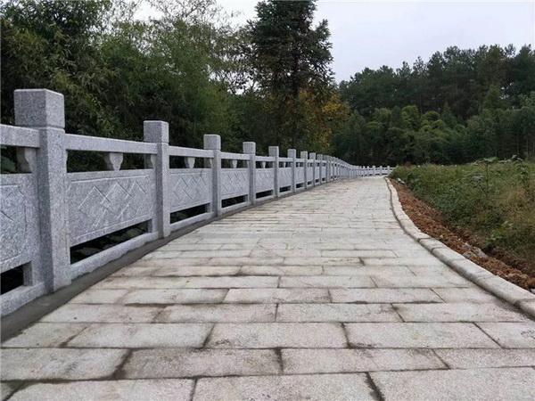 湖南芝麻灰石材栏杆护栏