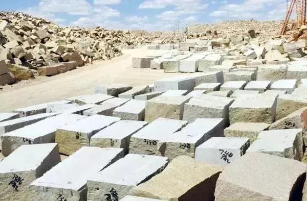 (新疆卡拉麦里金产地)奇台县石材行业捐赠50余万元助力抗击疫情