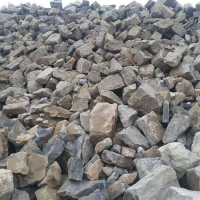 青石旧石头、青石老石板、拆房子的老石头、拆迁石