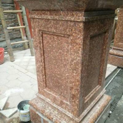 江西红色花岗岩装饰的院子 柱子