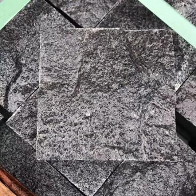老矿芝麻黑小方块自然面