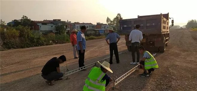 灾后重建,麻城市交通运输局为石材运输修路搭桥