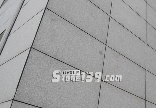 芝麻灰石材外墙干挂.jpg