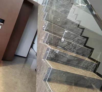 【家装干货】石材楼梯搭配玻璃栏杆的几种造型方式介绍